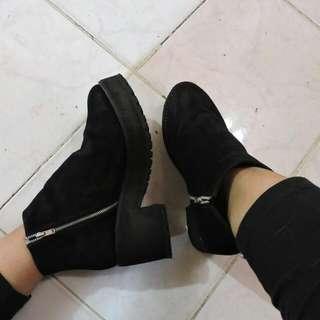 Aimer.co basic boots