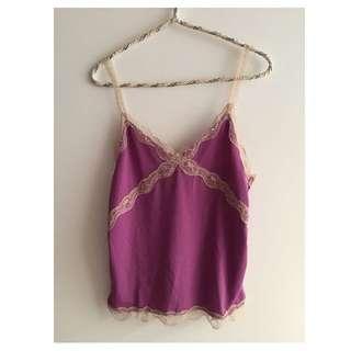 日本帶回~V領紫色蕾絲邊細肩帶上衣