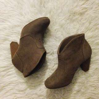 TAUPE FAUX SUEDE BOOTIES