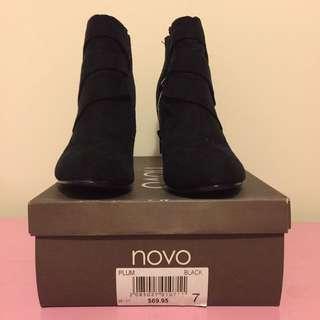 Black Novo Boots