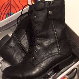 Betts Army Boots Size 10