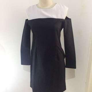 BERRYBENKA cold Shoulder Dress