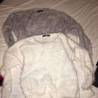 BUNDLE ! 2 KNITTED JUMPERS