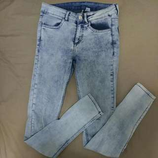 Pale Blue Skinny Jeans // H&M Divided //size 36 (8-10)