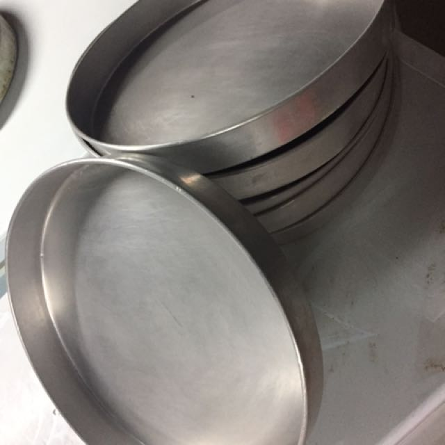 6 Identical Pans