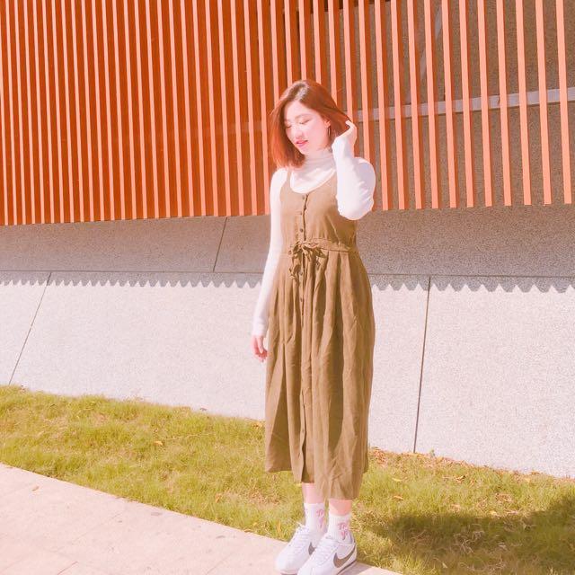 墨綠細肩長裙