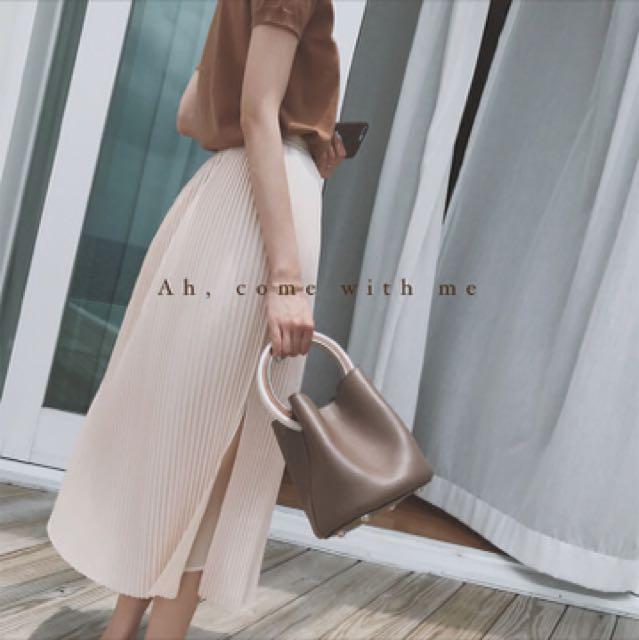 金蘑菇菇 你要的浪漫洋气裸色侧开叉百褶长裙2017新款白搭半裙