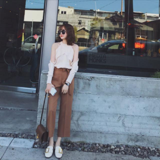 金蘑菇菇 版型怒赞 舒服和显瘦它都有的美炸休闲西裤 配腰带哦~