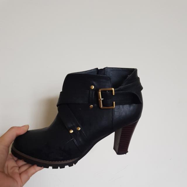 免運  😊 Ann's黑色粗根靴子