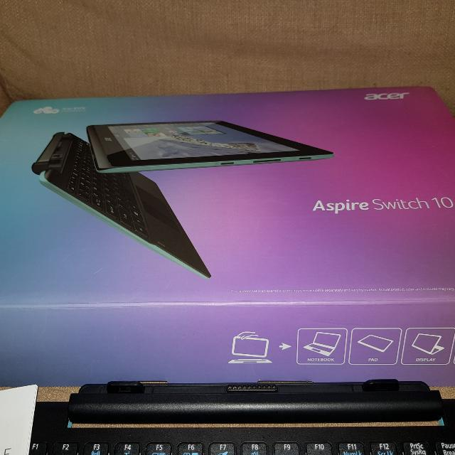 Acer ASPIRE Switch10E