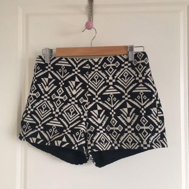 Dotti Shorts- Size 10