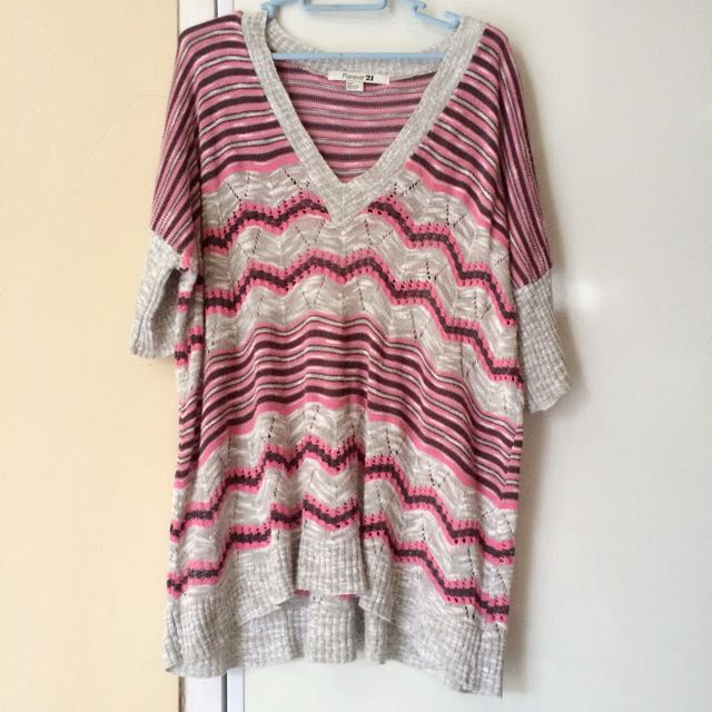 Forever 21 Pink Chevron Sweater