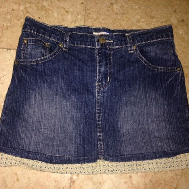 Girl's Skirt 11-12yo