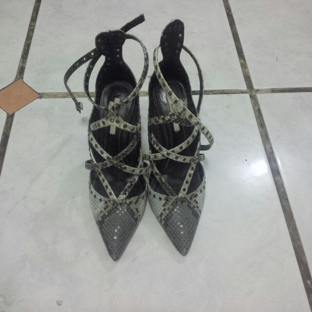 Heels - ZARA BASIC
