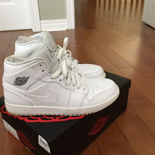 Jordan 1s All White - Mens