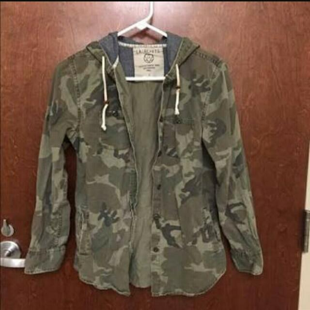 LA Hearts Camo Hooded Jacket