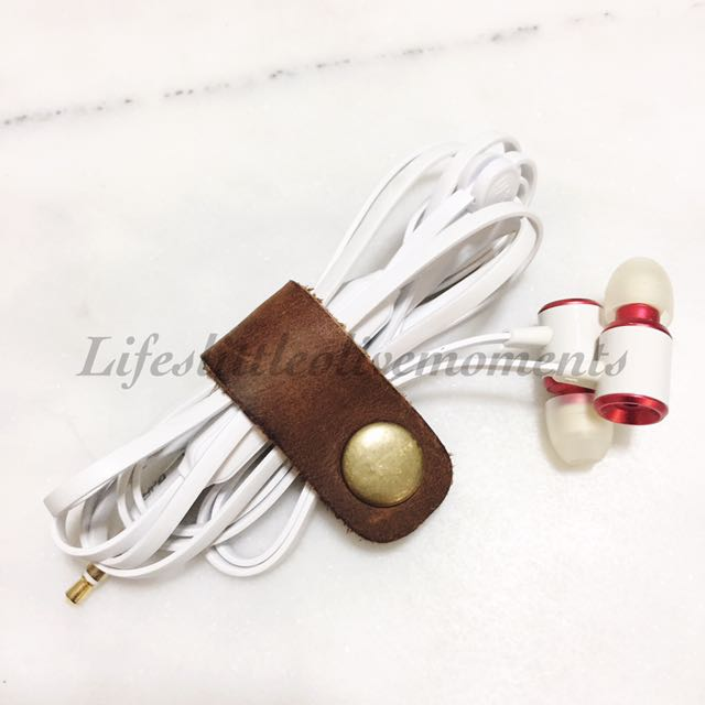 Leather Earphones Cord Holder