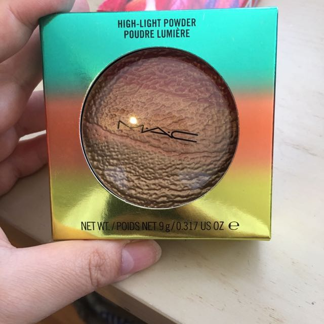 MAC Freshen Up Highlighter