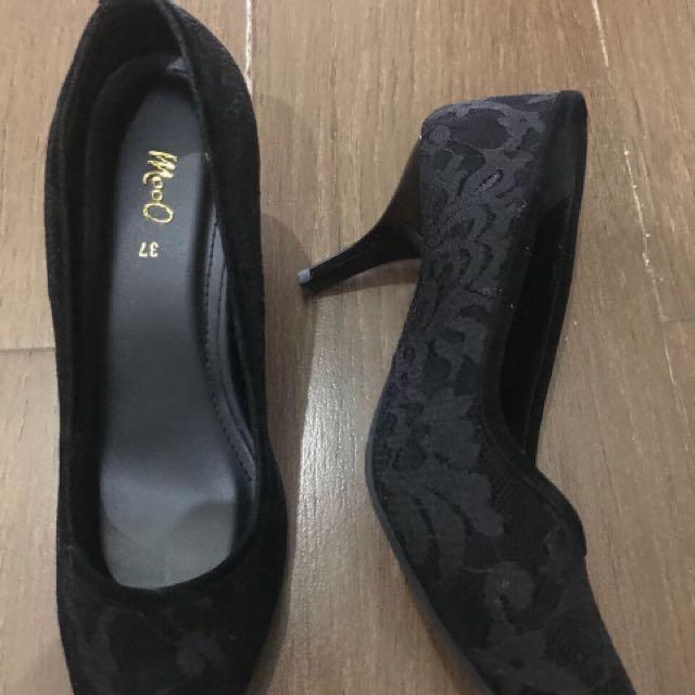 Moo Shuz Black Lace Heels