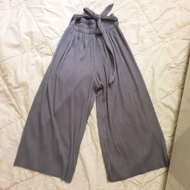 Pleated Culotte Grey/ Celana Babat