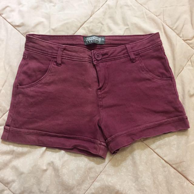 Red Short/ Celana Pendek