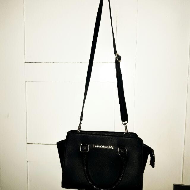 Sling Bag Fashion Hitam
