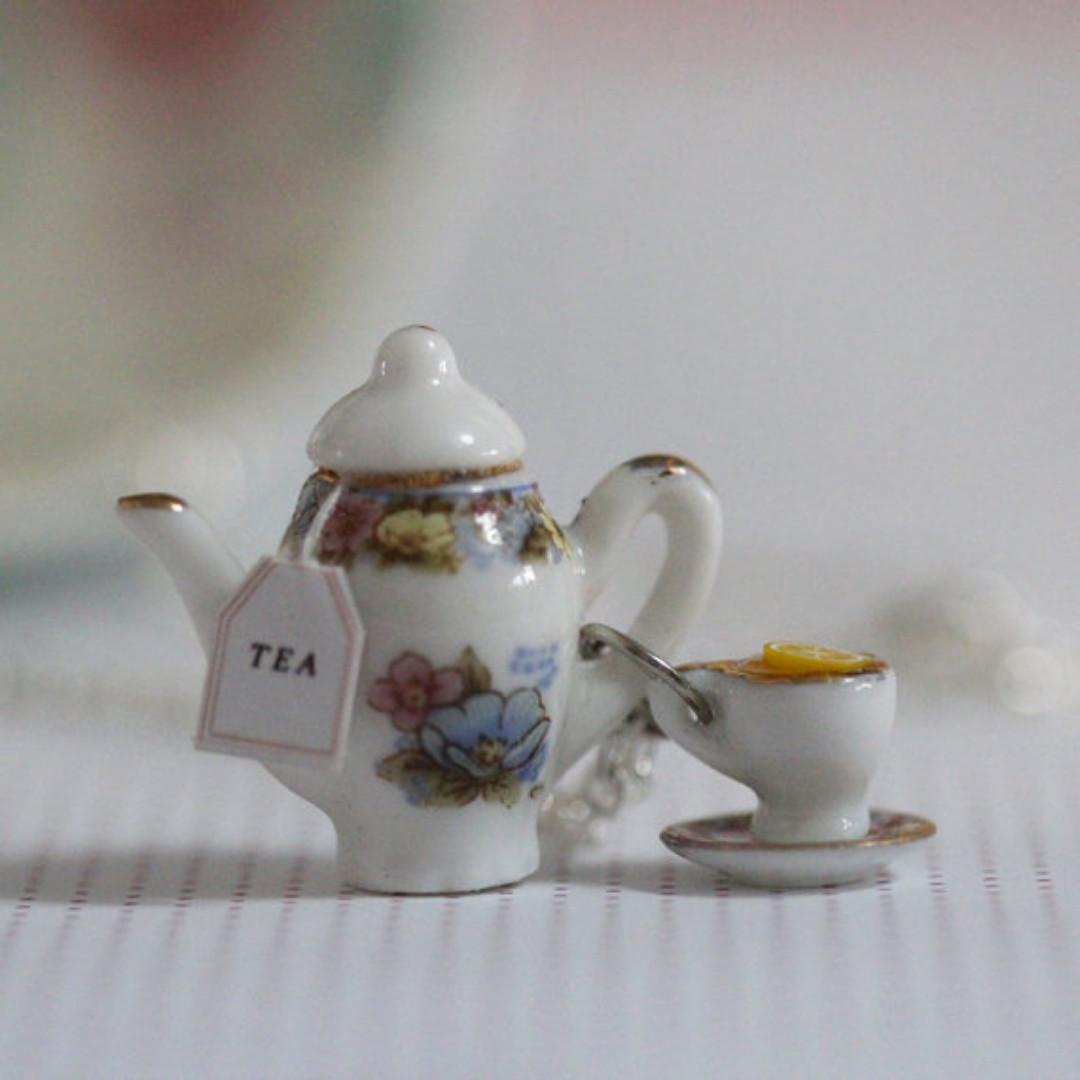 Tea Party Necklace (167)