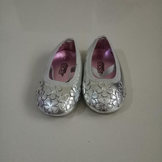 Teeny Toes Baby Girl Shoes Sz 3