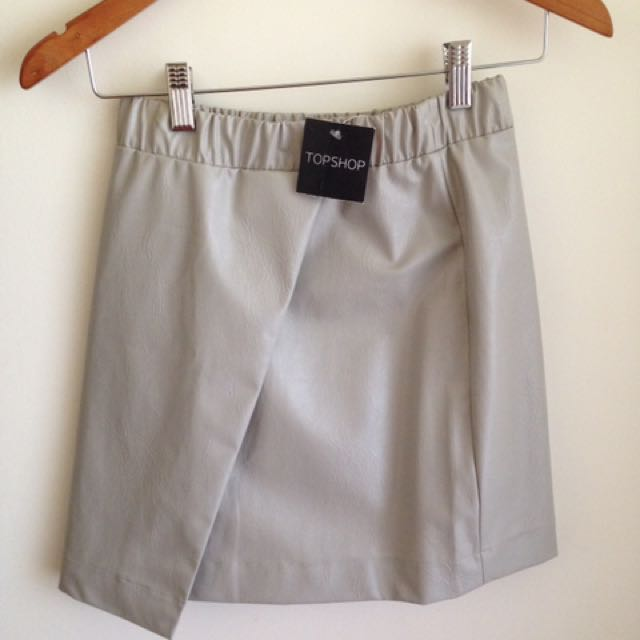 TOPSHOP Grey Faux Leather Skirt