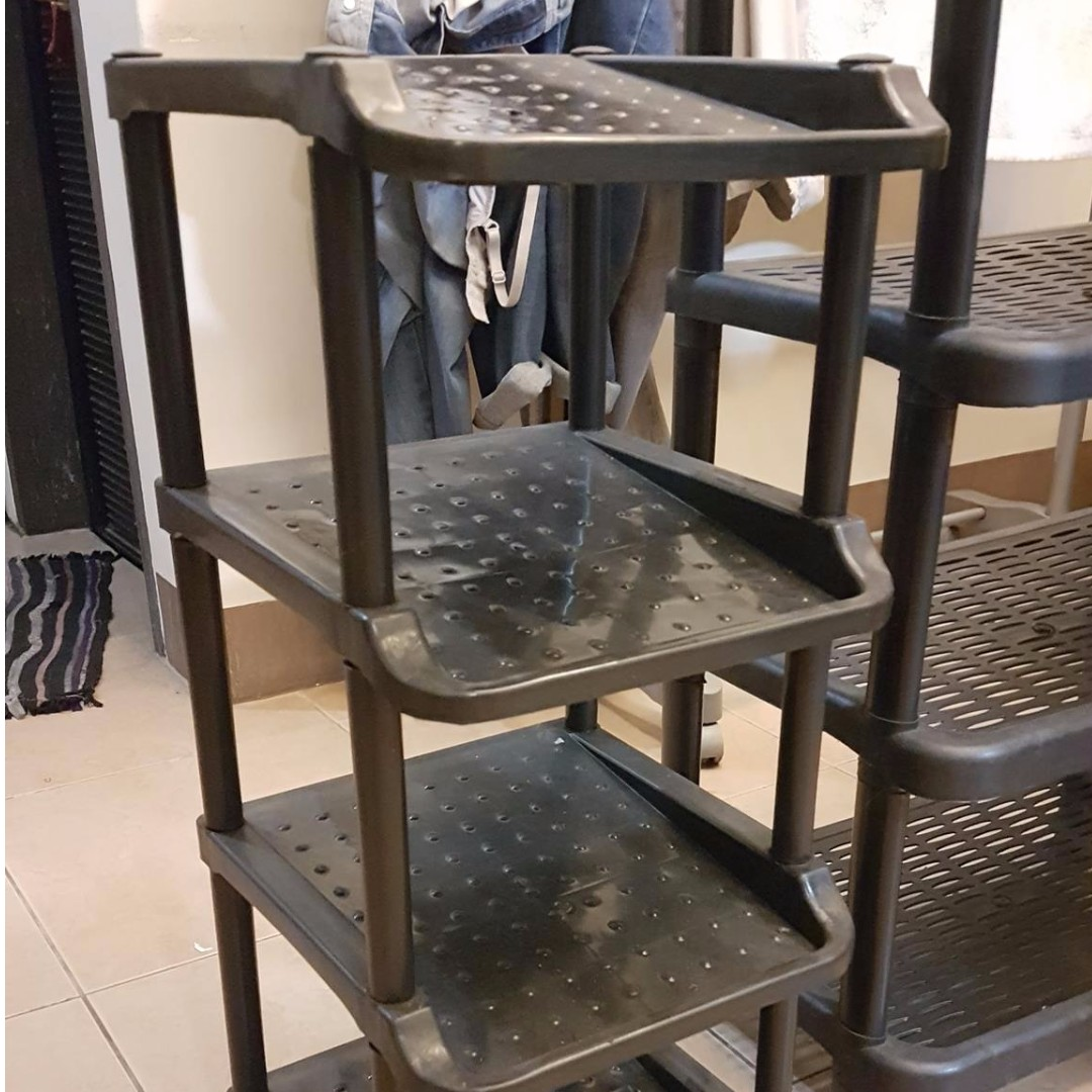 Used shoe rack