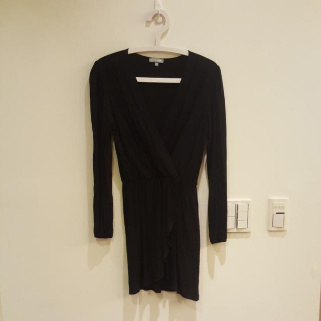 黑色V領長袖薄洋裝 #我的旋轉衣櫃