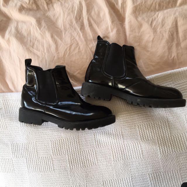 Wet-look Boots