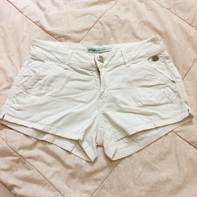 White Short/ Celana pendek