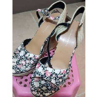 Used Wedge Shoes (Primadonna)