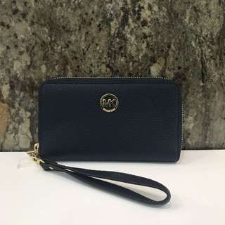 MICHAEL KORS TRAVEL WALLET!