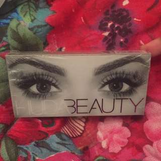 Huda Beauty Lashes In Samantha 7