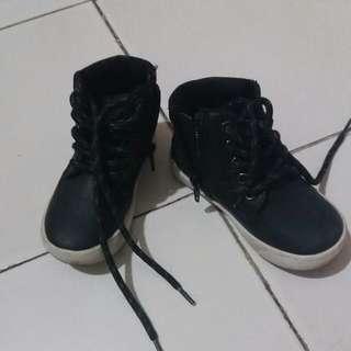 Sepatu anak Primark