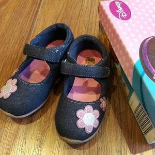 Disney Doc McStuffins Denim Girls Shoes Size 8