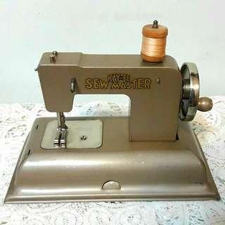 德國古董兒童手搖式縫紉機
