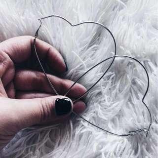 BRAND NEW HEART EARRINGS