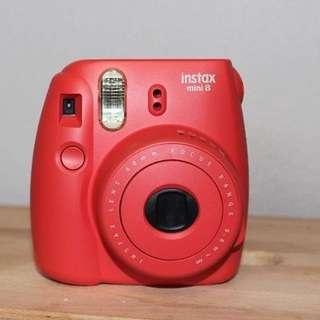 Fujifilm Instax Mini 8 in Raspberry