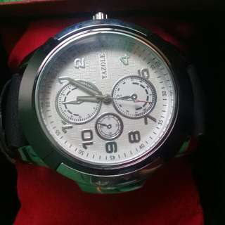 Yazole Watch