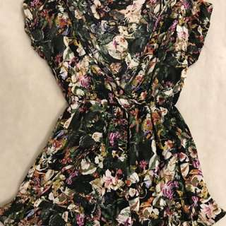 Cute Play suit Size 8