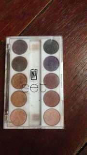 NP Set Eyeshadow Palette