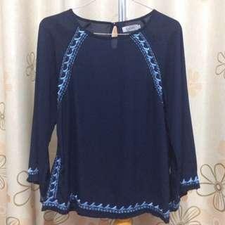 Zelia Sifon (Secondhand Clothes)