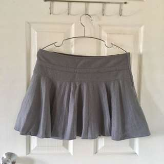 H & M Grey Short Skirt