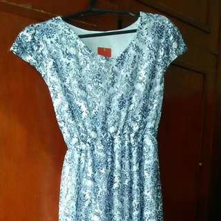 BNEW LACE DRESS WITH TAG