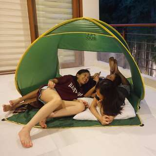 Green Insta-tent for Hiking, Beach, Garden and Outdoor Adventure for Adults, Kids and Pets