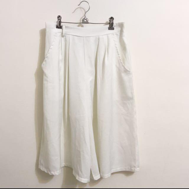 白色寬褲裙 #女裝九九出清