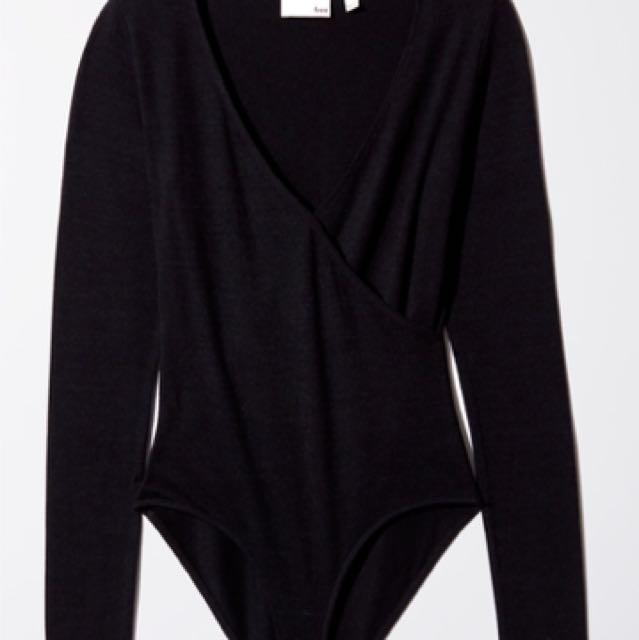 Black Aritzia Crossing shirt
